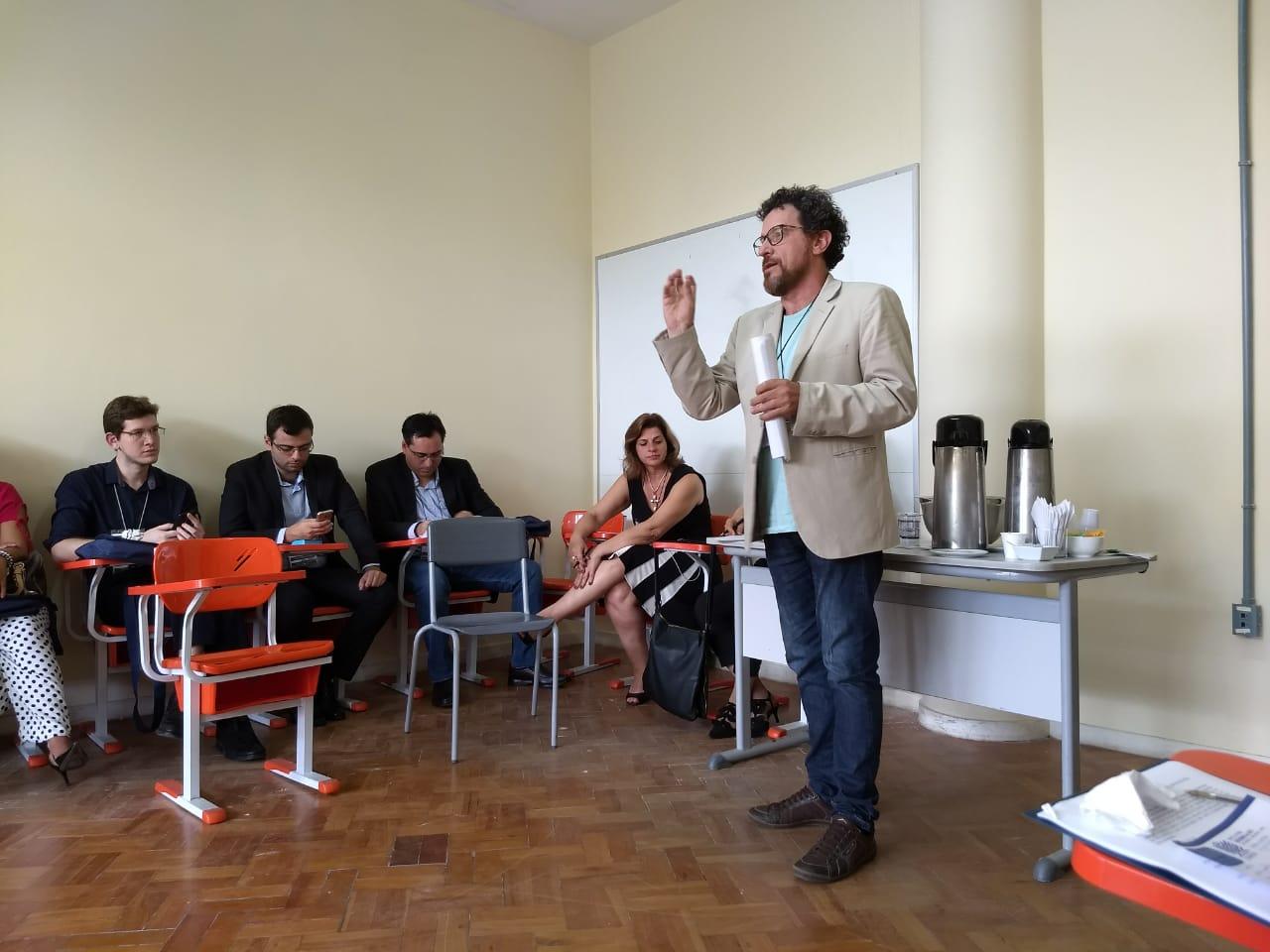 Professor da UnirG apresenta em Salvador artigo sobre comunicação e direito