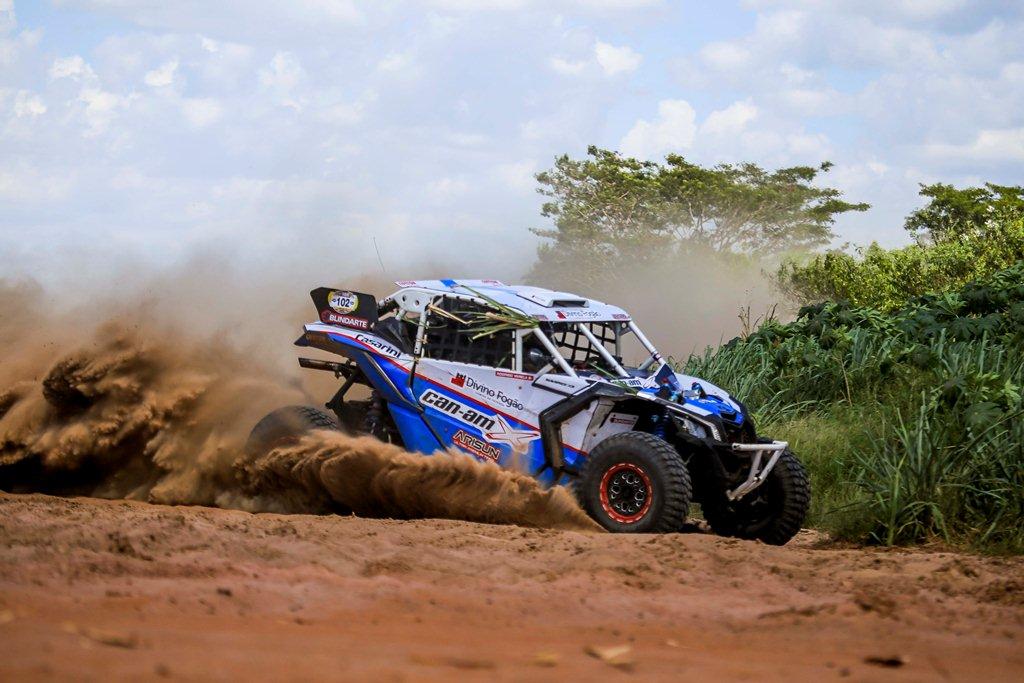 Rodrigo Varela vence o Rally de Inverno com o UTV Can-Am Maverick X3