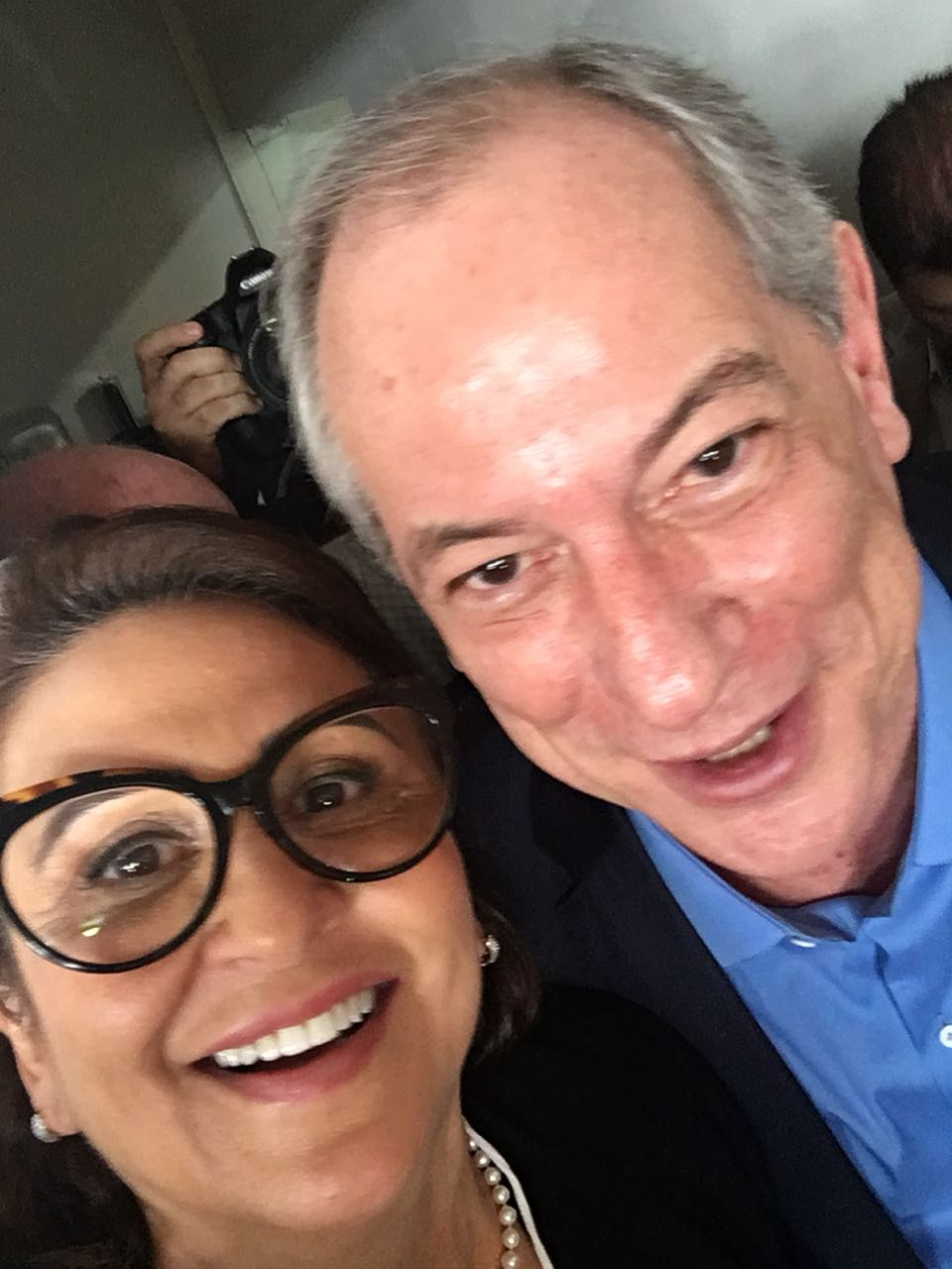 """Kátia Abreu apoia Ciro Gomes em convenção nacional do PDT: """"melhor projeto para o Brasil"""""""