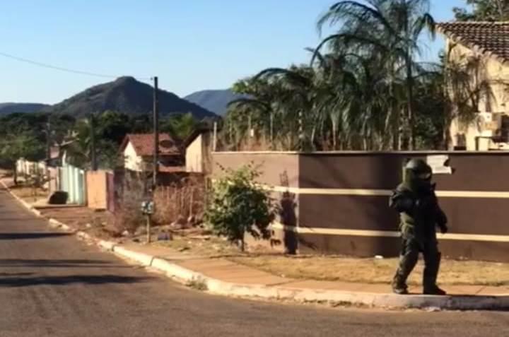 EAB-CIOE é acionada para apoiar 6º BPM na retirada de artefato explosivo de uma residência em Taquaralto