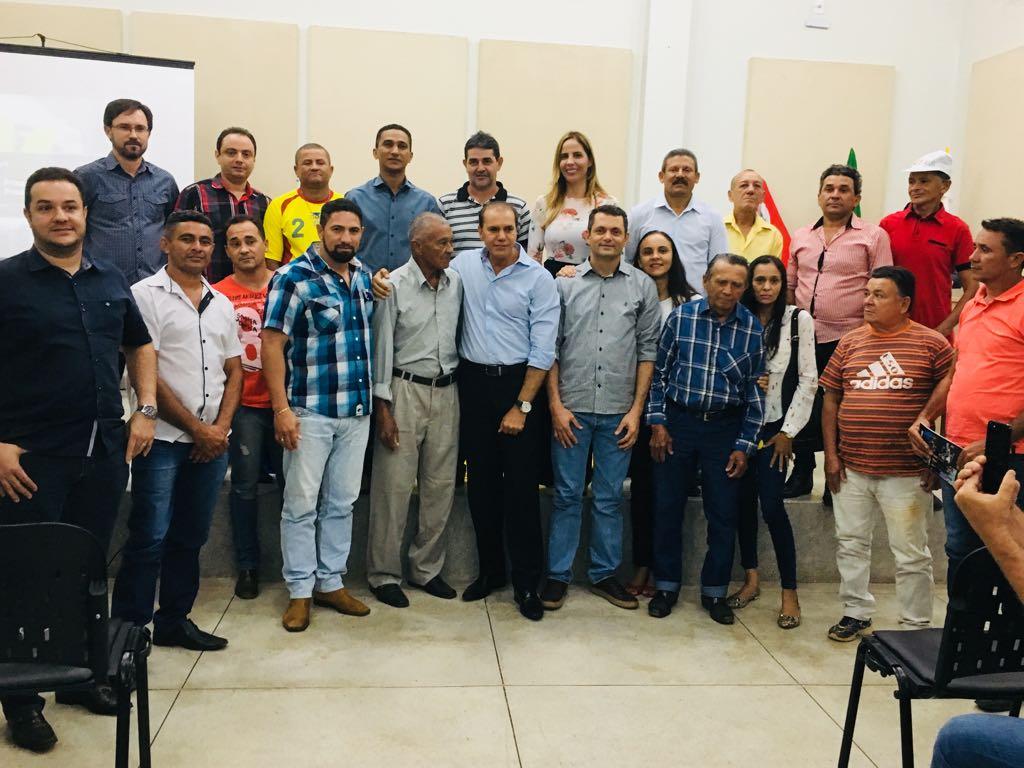 Presidente estadual do PSDB, senador Ataídes, dá posse à nova Comissão Provisória de Miracema