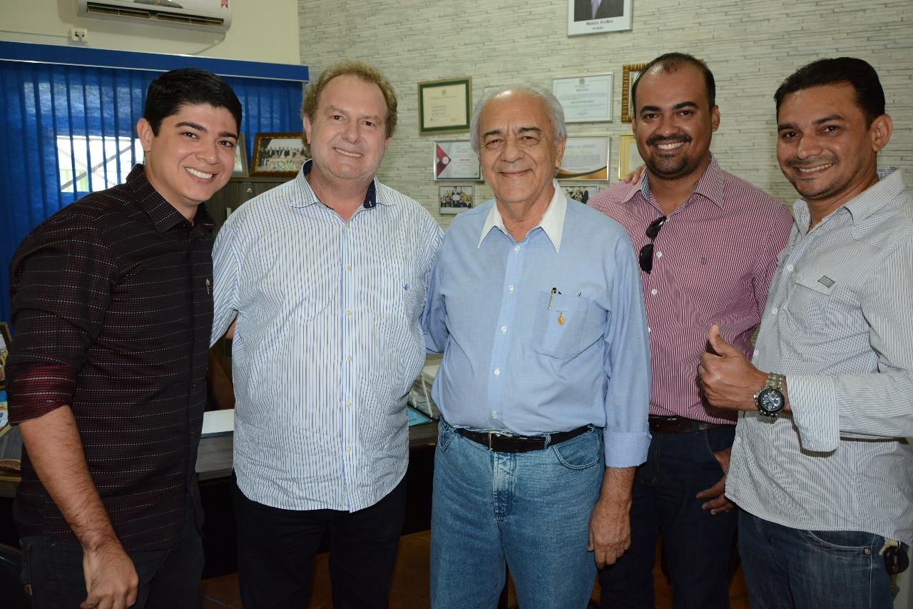 Moisés Avelino e Celso Morais recebe visita do governador Mauro Carlesse em Paraíso TO