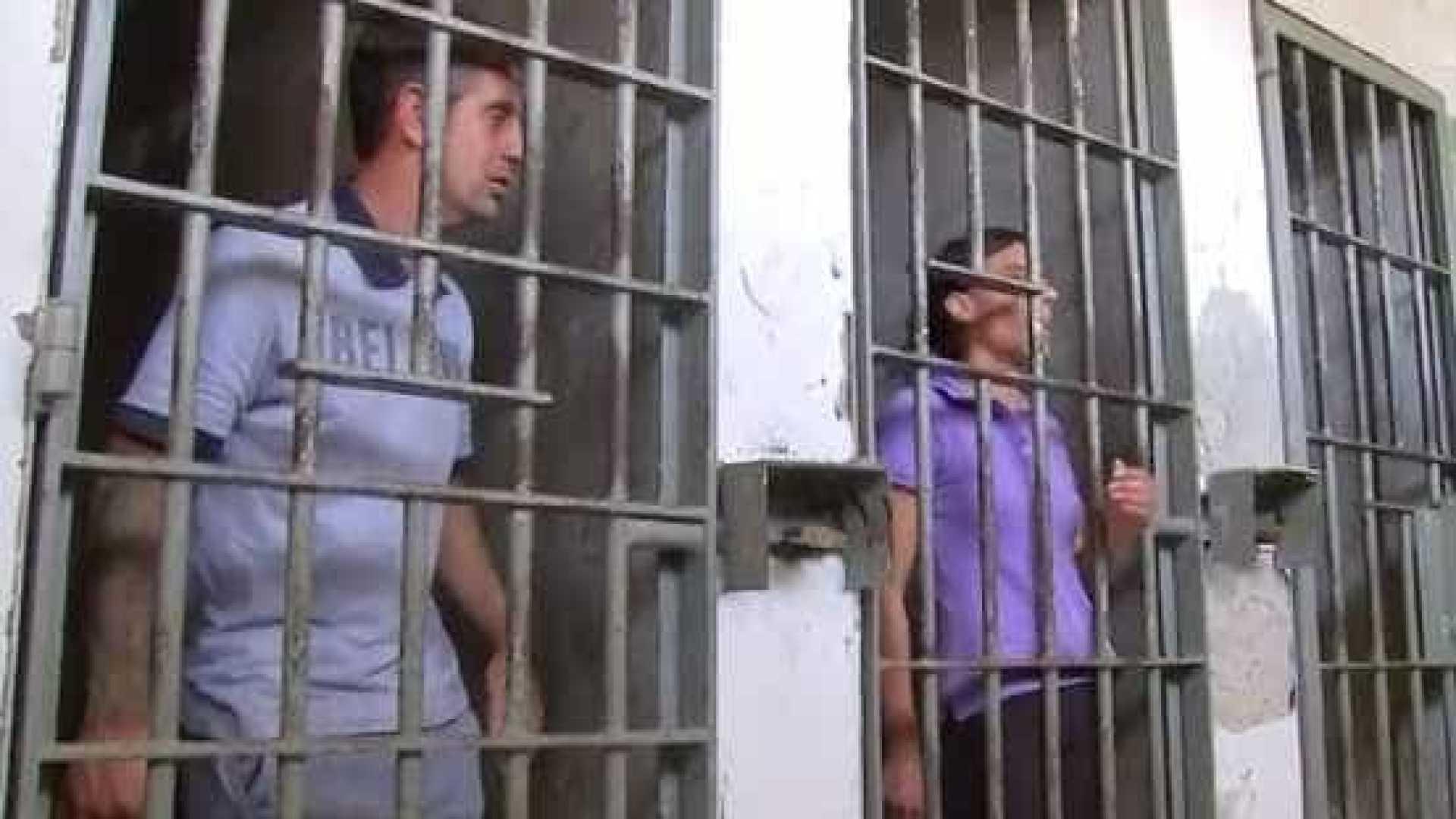 Trio acusado de matar Vitória Gabrielly discute em delegacia em SP