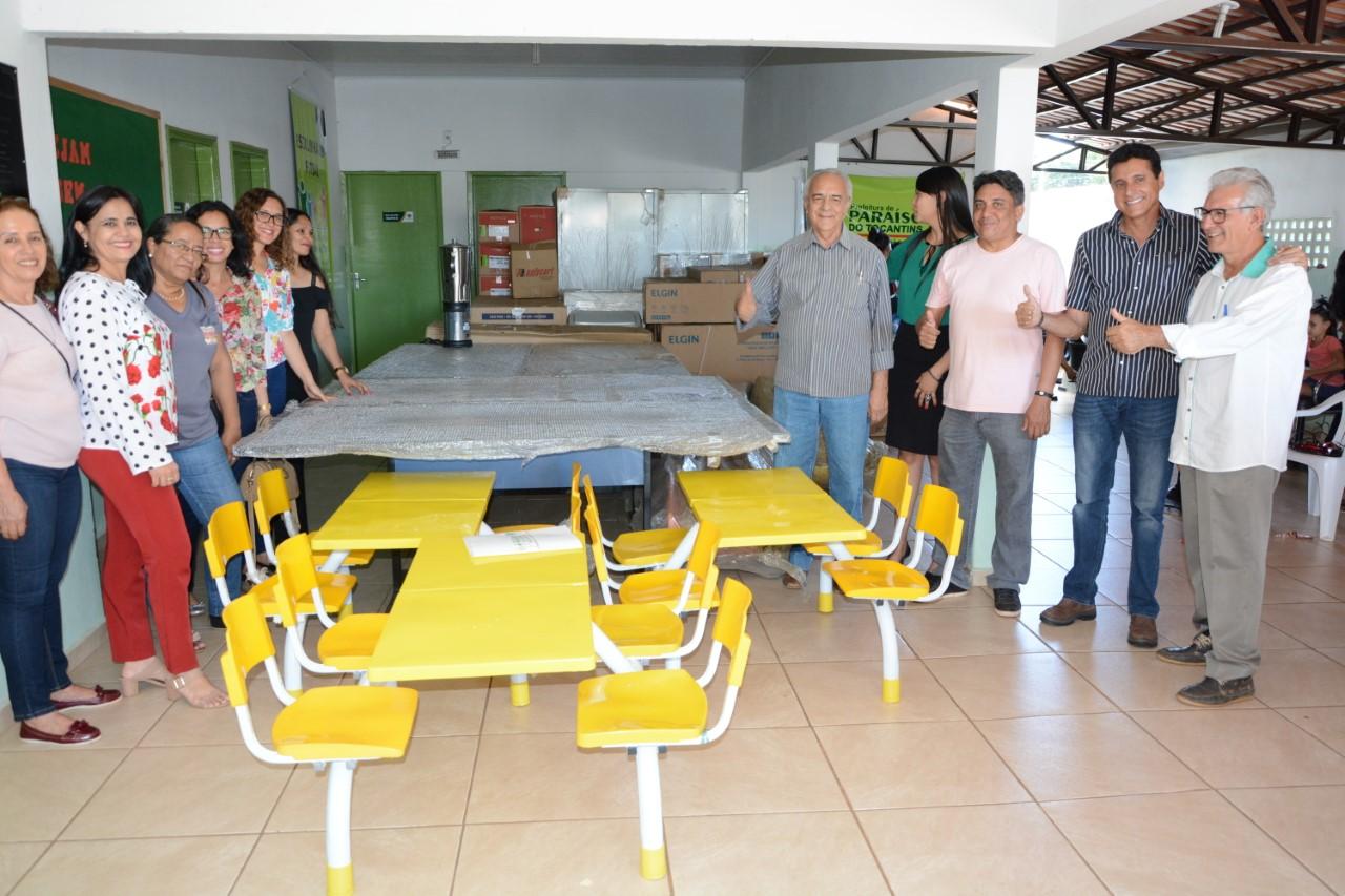 Prefeito Moisés Avelino entrega 44 itens para a Secretaria de Assistência Social