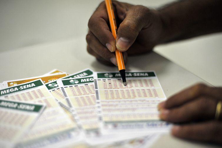 Mega-Sena vai sortear prêmio de R$ 3 milhões neste sábado