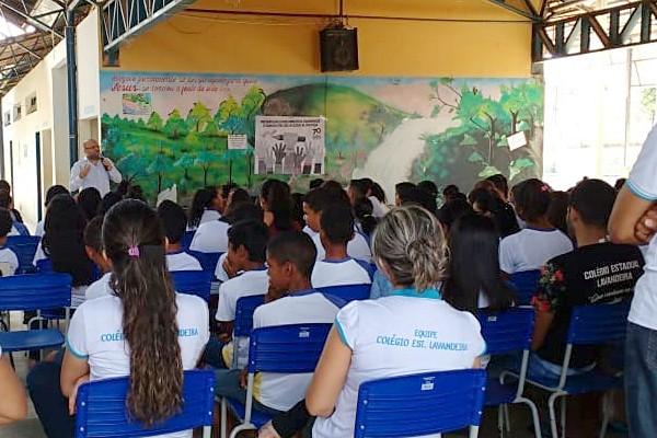 Estudantes do município de Lavandeira participam de palestra sobre direitos humanos