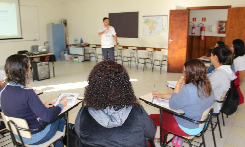 Esteio e Canoas (RS) recebem projeto de esporte educacional para professores do IEE e da Petrobras