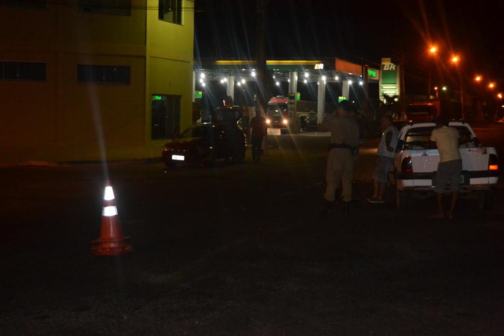 Colisão frontal entre veículos em Paraíso do Tocantins