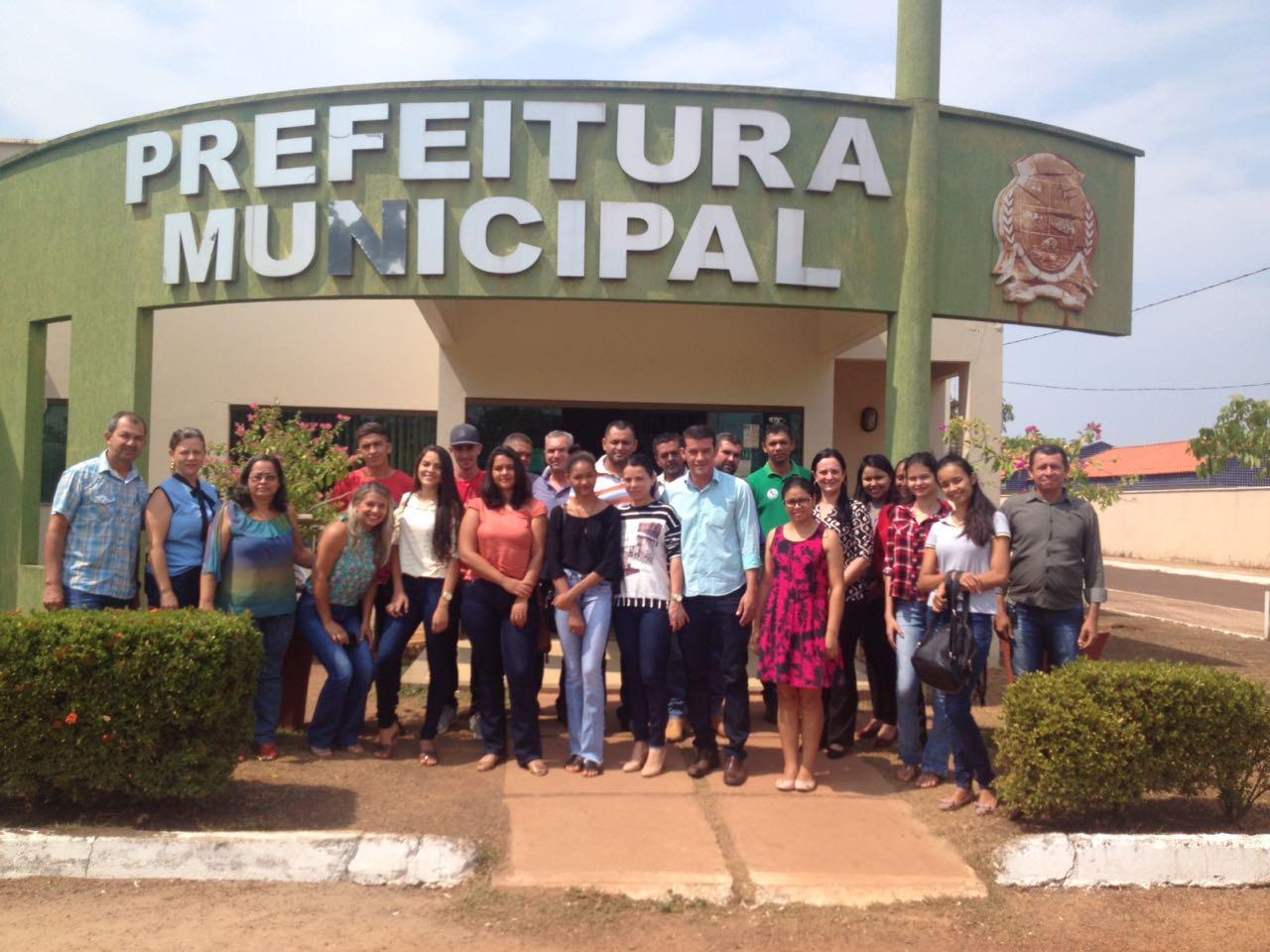 Jovens selecionados recebem orientações para iniciarem programa de estágio em Marianópolis (TO)
