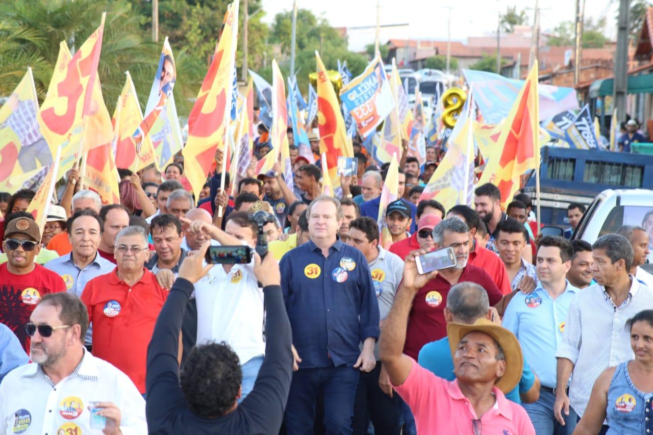 """No Bico do Papagaio, Carlesse reúne milhares de pessoas; """"campanha segue cada vez mais forte"""""""