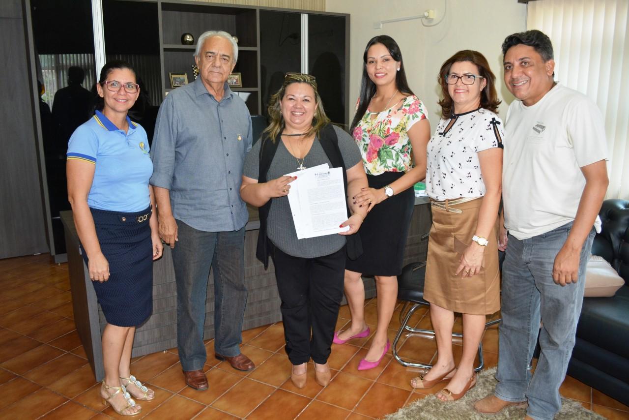 Prefeito Moisés Avelino celebra mais uma vez Termo de Fomento com APAE – Paraíso
