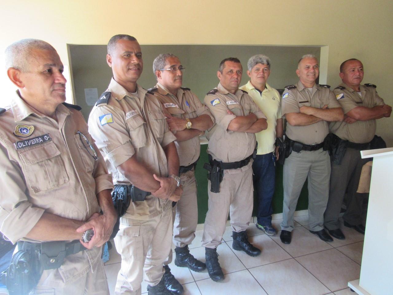 Comado da 5ª CIPM presta homenagens à Policiais Militares ao ingressarem na reserva remunerada.