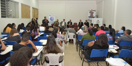 Roda de Conversa com a Justiça Eleitoral aborda temas como Fake News, urnas eletrônicas e acessibilidade