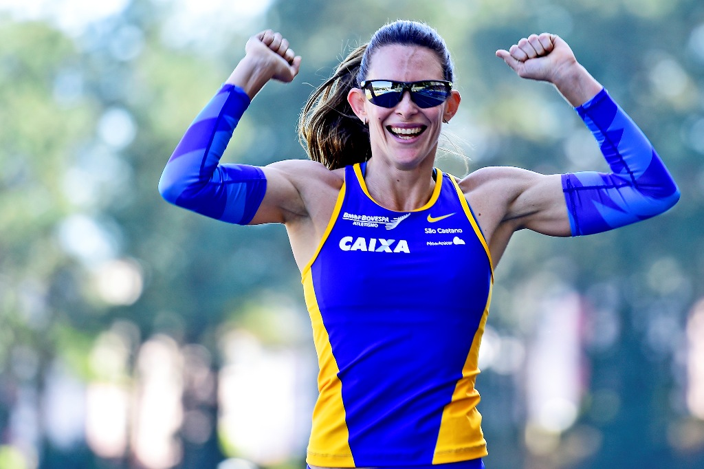 Bicampeã mundial Fabiana Murer marca presença na etapa São Paulo do Circuito CAIXA