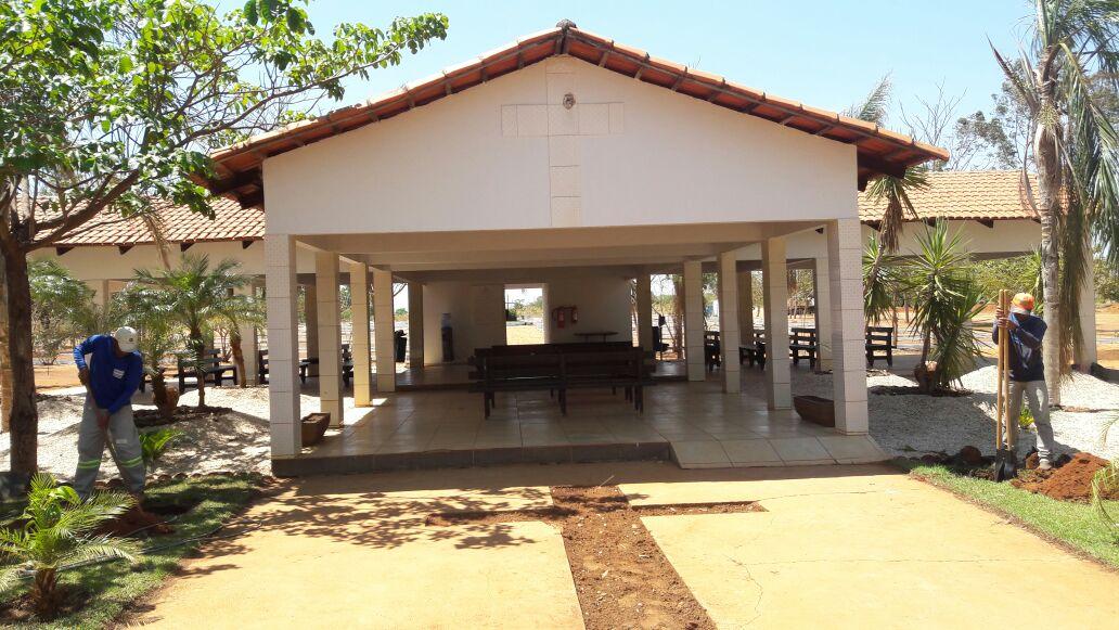 Arquidiocese divulga horários das missas de Finados nos cemitérios da Capital