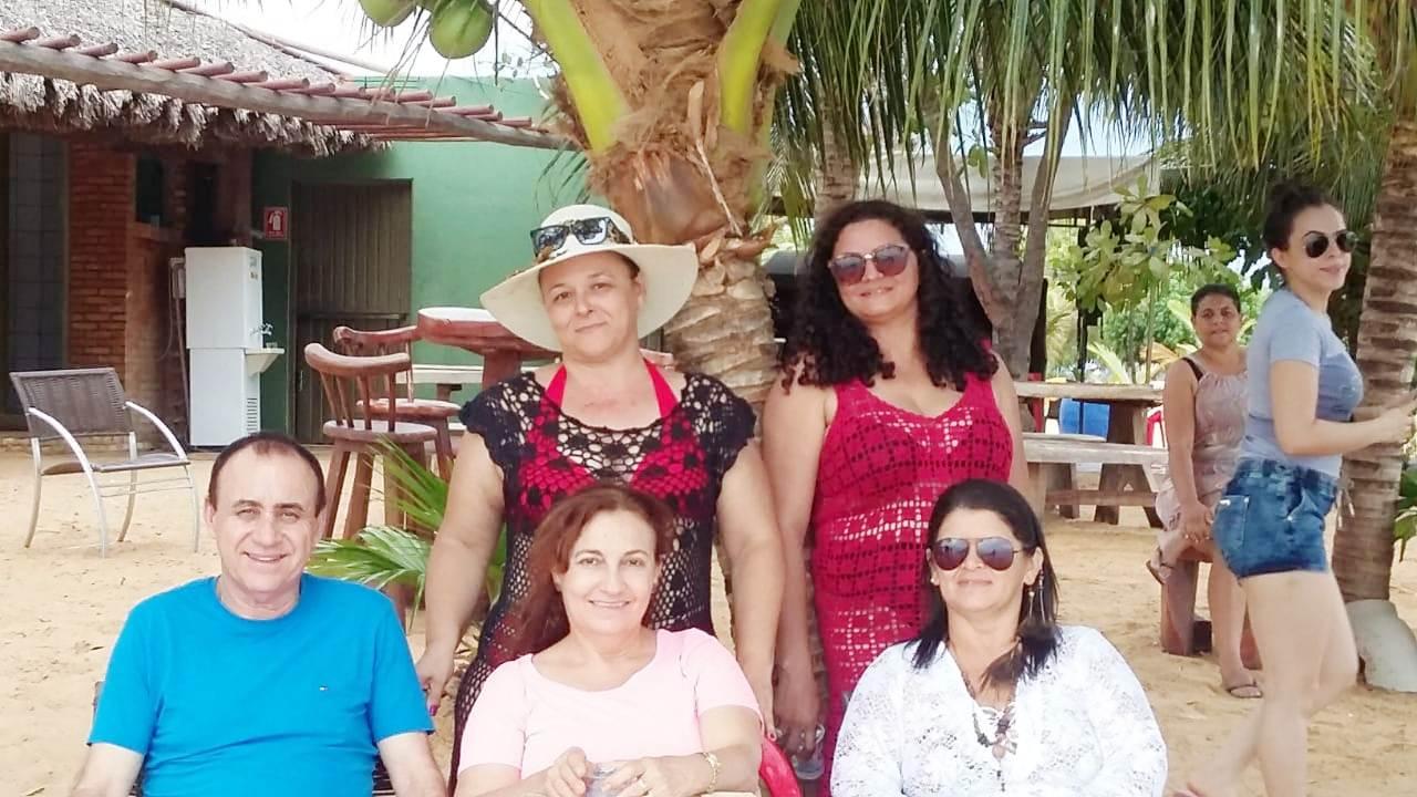 Professores de Monte Santo (TO) participam de confraternização com passeio de flutuante no Rio Tocantins