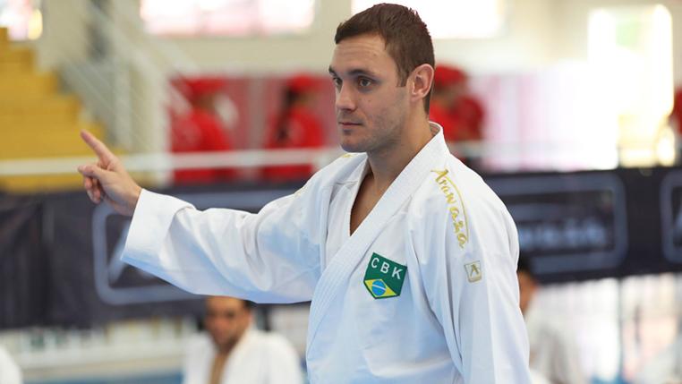 De volta às competições, carateca Douglas Brose valoriza desempenho e foca no campeonato mundial