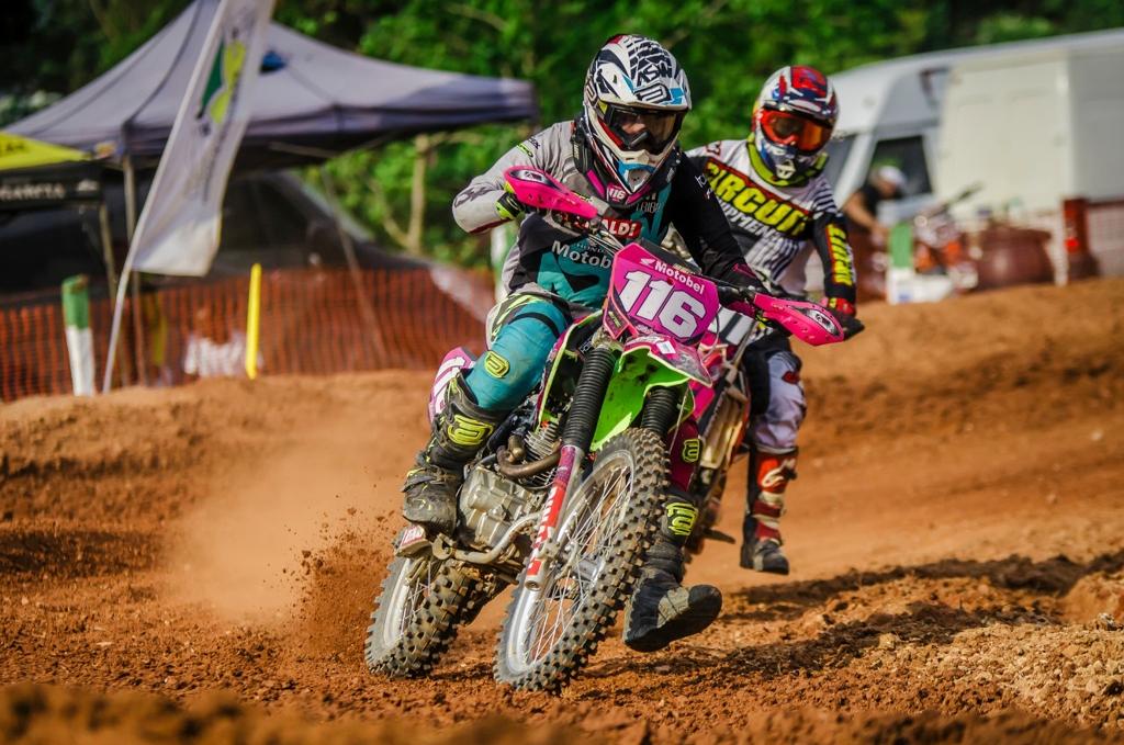 Goiano de Motocross – Bárbara Neves encerra campeonato com vitória