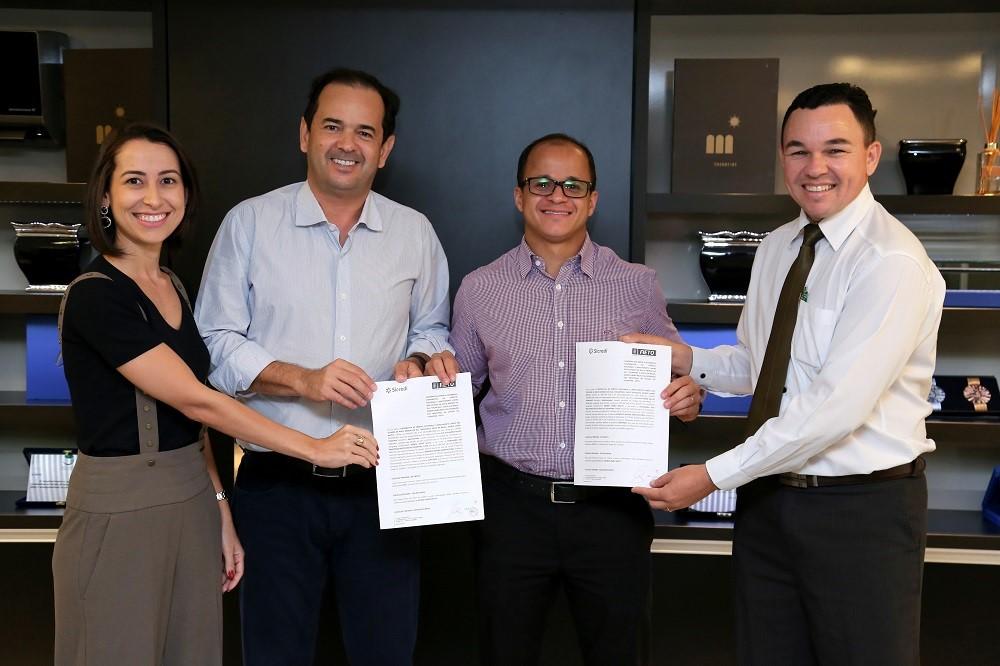 FIETO e SICREDI firmam convênio para facilitar crédito ao empresário