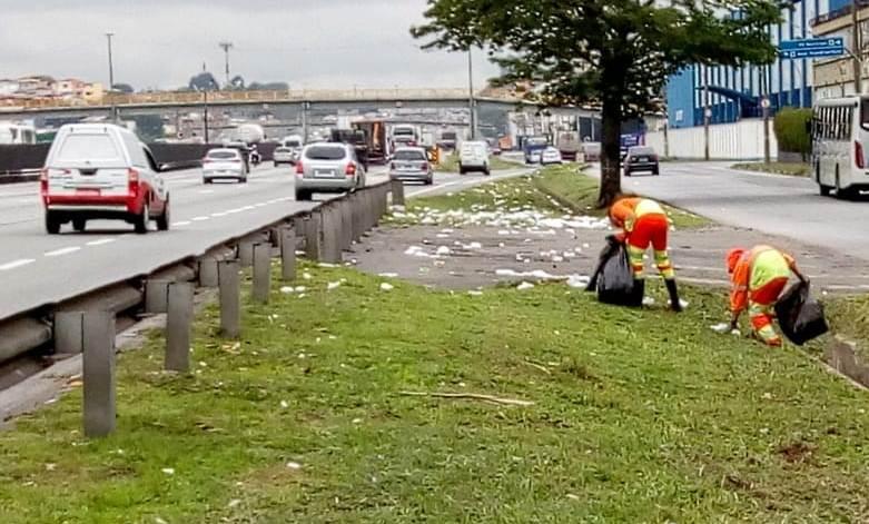 CCR NovaDutra coleta mais de 9 toneladas de lixo na região do Vale do Paraíba, durante o feriado do Dia da Padroeira