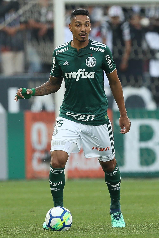 Sem perder há mais de dois meses, Antonio Carlos enaltece Palmeiras como melhor defesa da Série A e o seu recorde de jogos numa temporada