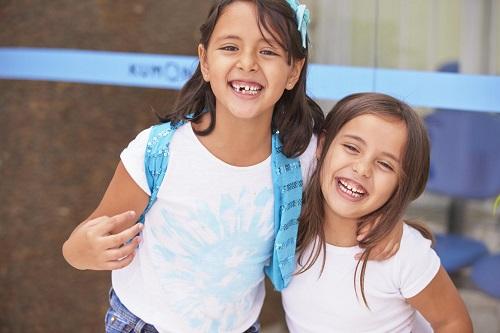 Atividades extracurriculares ajudam a estimular o raciocínio e desenvolver a responsabilidade desde muito cedo