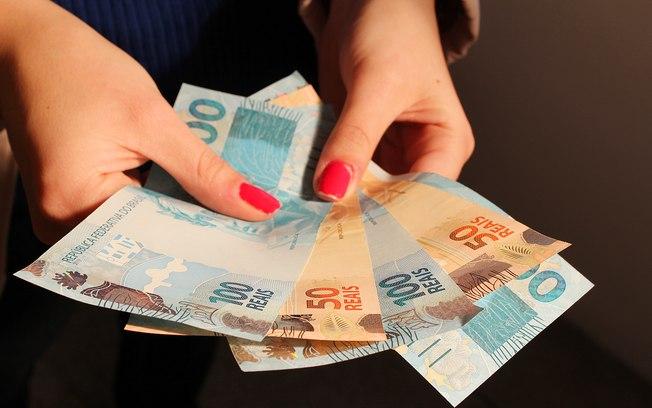 Salário mínimo de 2019 deve ficar acima dos R$ 1.006 previstos, afirma ministro