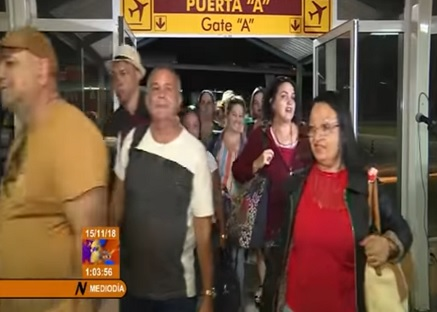 Cuba prepara festa para receber médicos vindos do Brasil