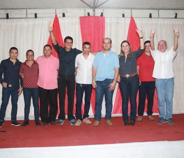 Lideranças de Rio dos Bois (TO) promovem festa para comemorar reeleição de Dulce Miranda