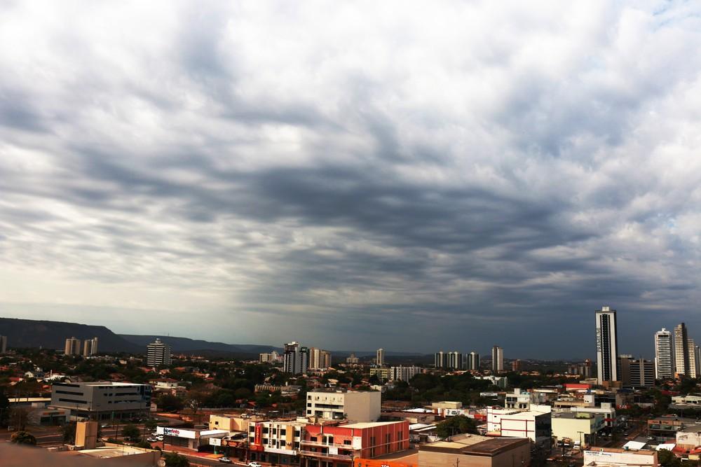 Tocantins tem previsão de chuvas intensas com vento forte e raios
