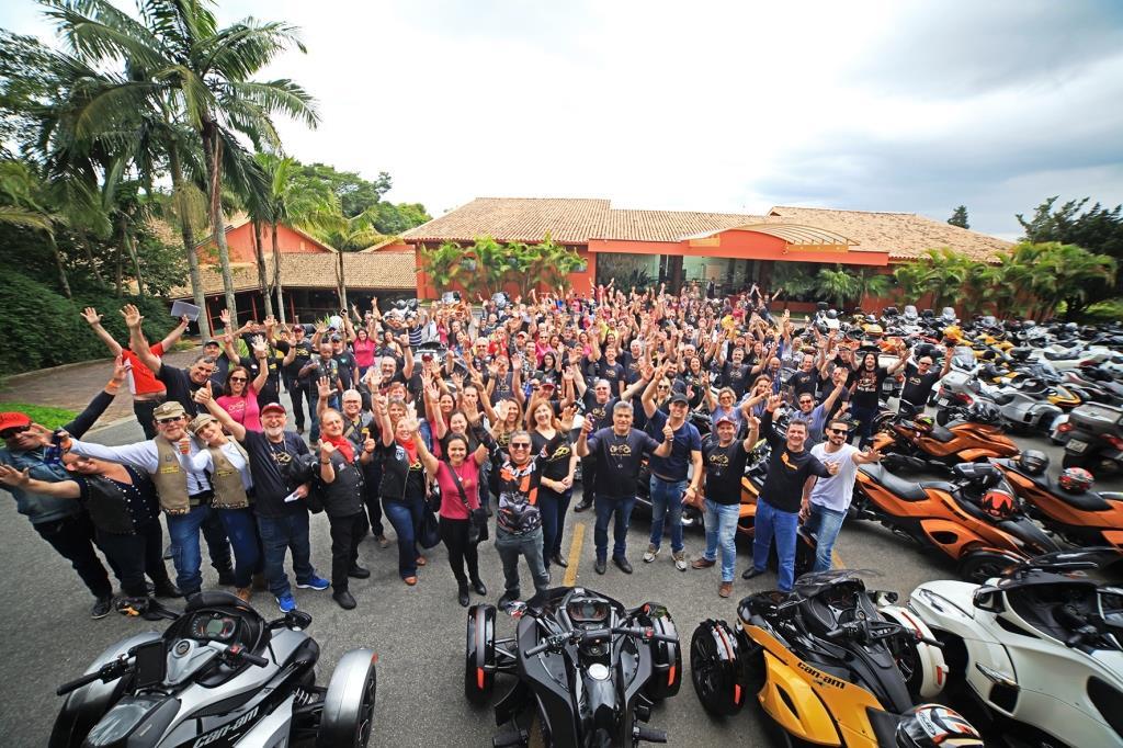 Comunidade Spyder celebra 9 anos de paixão sobre três rodas no Brasil