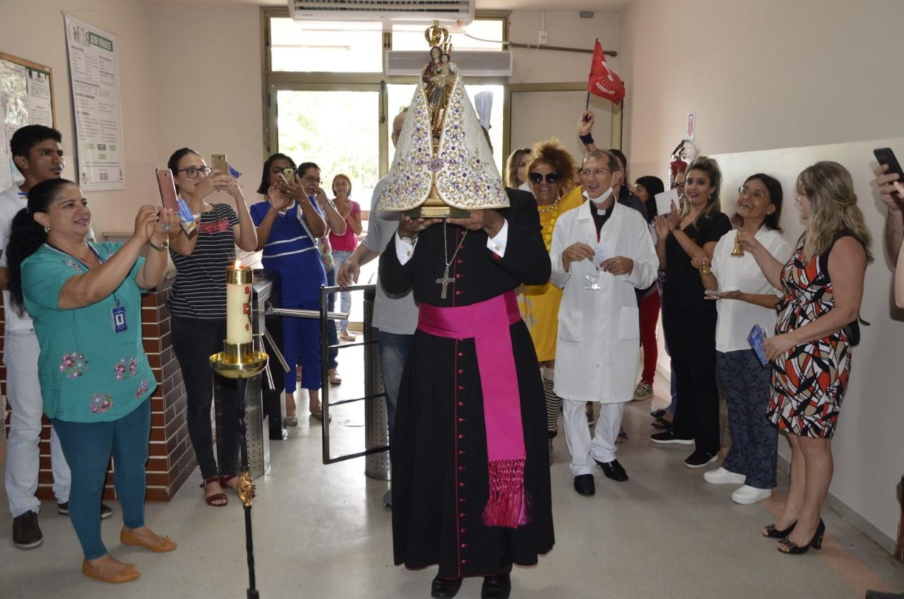 Círio de Nazaré é recebido no Hospital Geral de Palmas e Hospital Dona Regina