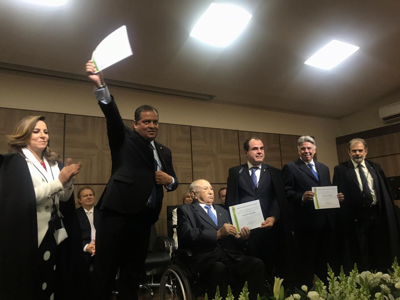 Após ser diplomado, Eduardo Gomes diz que pretende trabalhar duro para honrar os votos e ajudar na retomada de crescimento do Tocantins