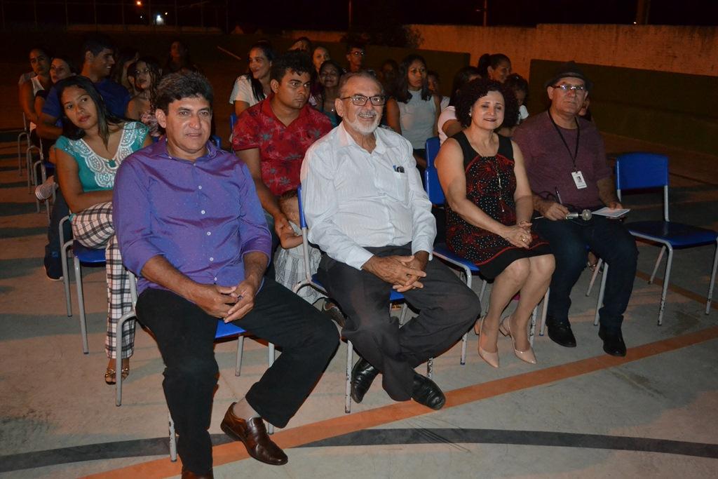 """Presidente e vice da ALP prestigiam Projeto """"Meu Amigo Senhor Alfabeto"""" em escola municipal de Paraíso (TO)"""