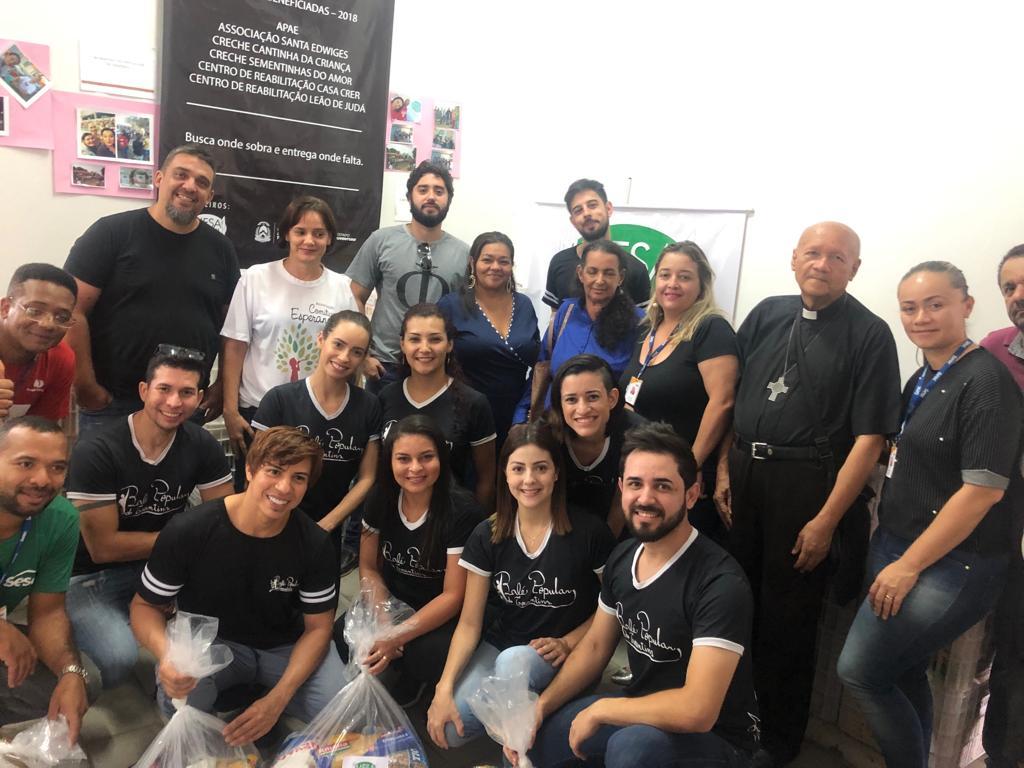 Balé Popular entrega 2,7 toneladas de alimentos arrecadados durante apresentações de final de ano