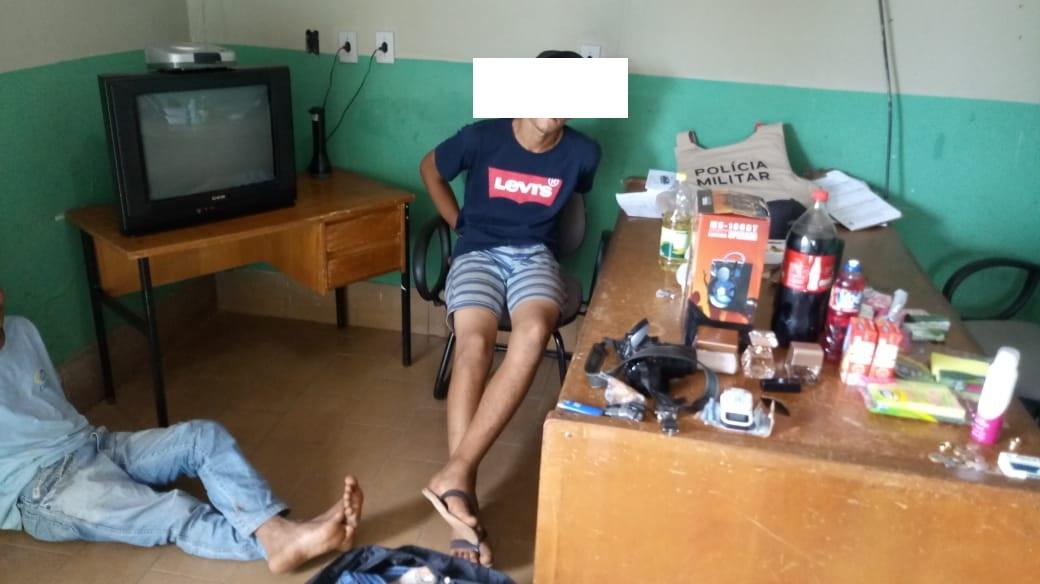 Polícia Militar prende dupla acusada de praticar vários furtos em Divinópolis (TO)