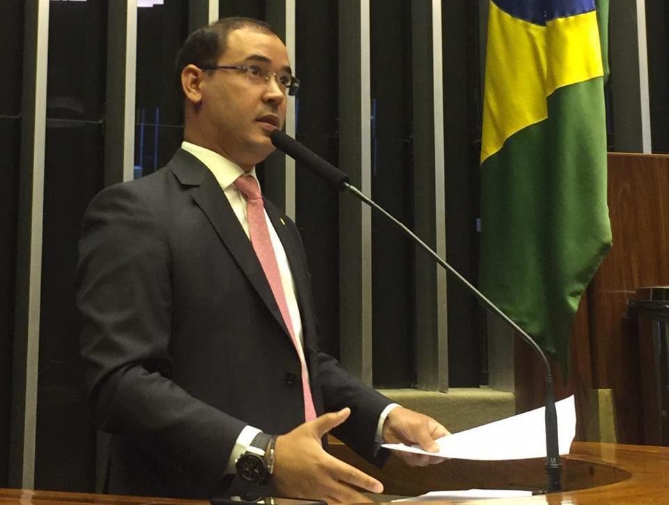 Vicentinho Júnior consegue quase R$ 1,5 milhão para municípios do Tocantins