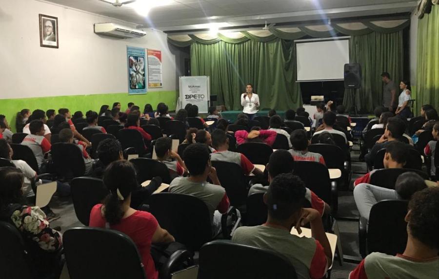 Unidade escolar de Gurupi recebe atividade da 1ª Semana Estadual de Direitos Humanos da DPE-TO