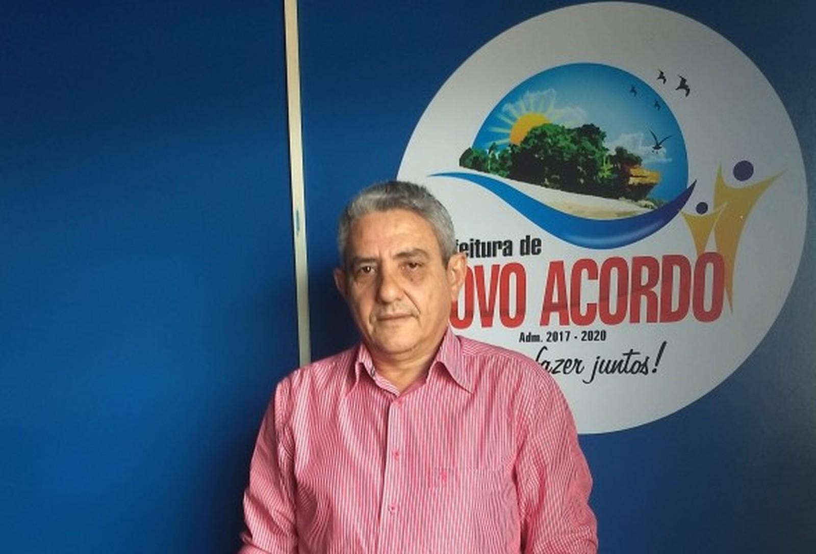 Após receber alta de hospital, prefeito baleado presta depoimento na Polícia Civil