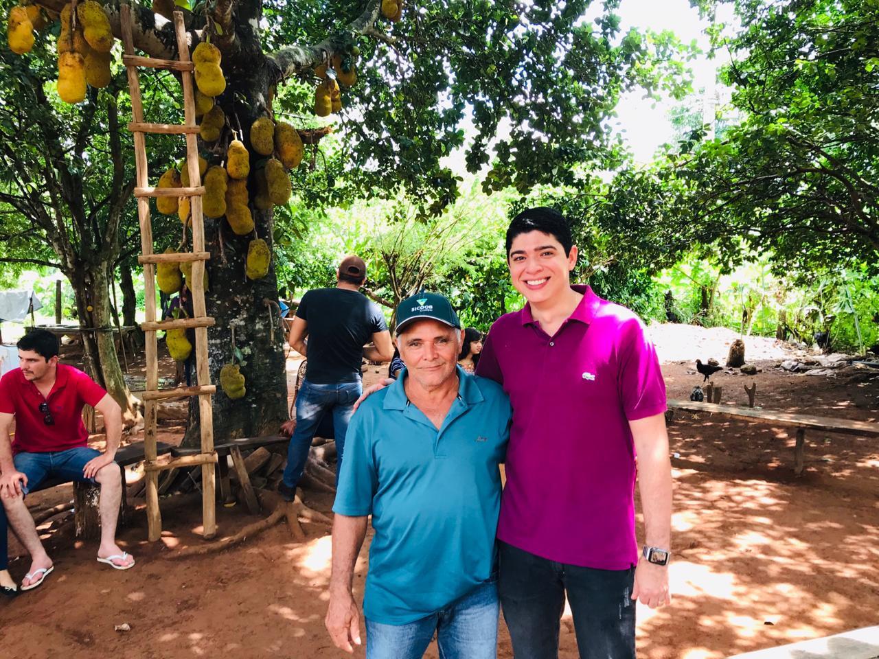 Vice-prefeito de Paraíso (TO) participa de evento religioso na zona rural