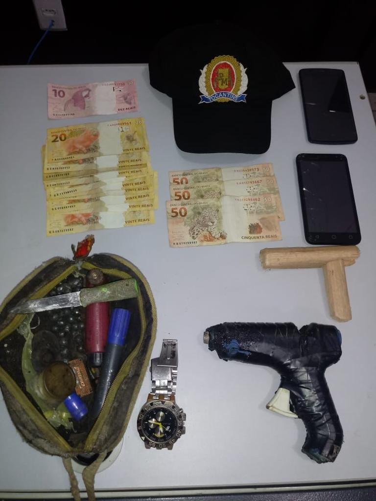 Dupla de menores é apreendida após roubar uma motocicleta usando simulacro de arma de fogo em Porto Nacional