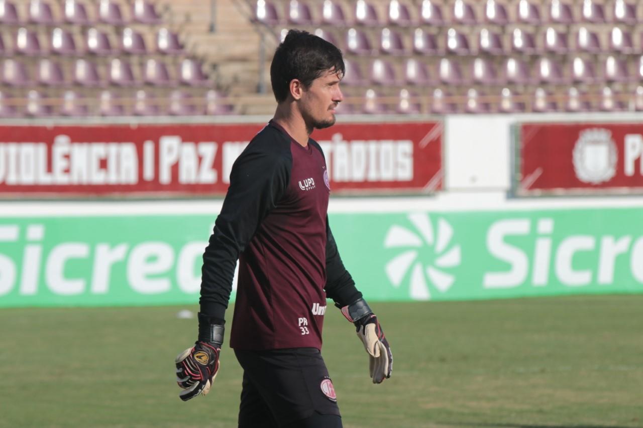 Tadeu destaca importância de vitória diante do Santos
