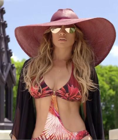 Tendência do chapéu vem com tudo nesse verão e está fazendo a cabeça das famosas