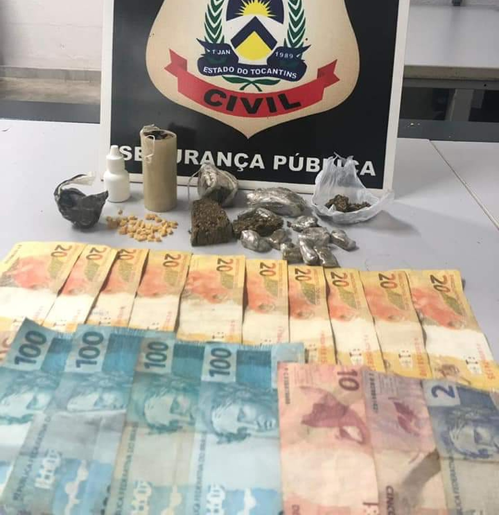 Casais suspeitos de tráfico de drogas são detidos em Pugmil