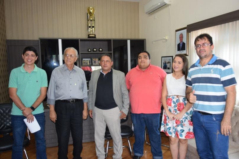 Diretoria do Atlético Cerrado participa de reunião com prefeito Moisés Avelino