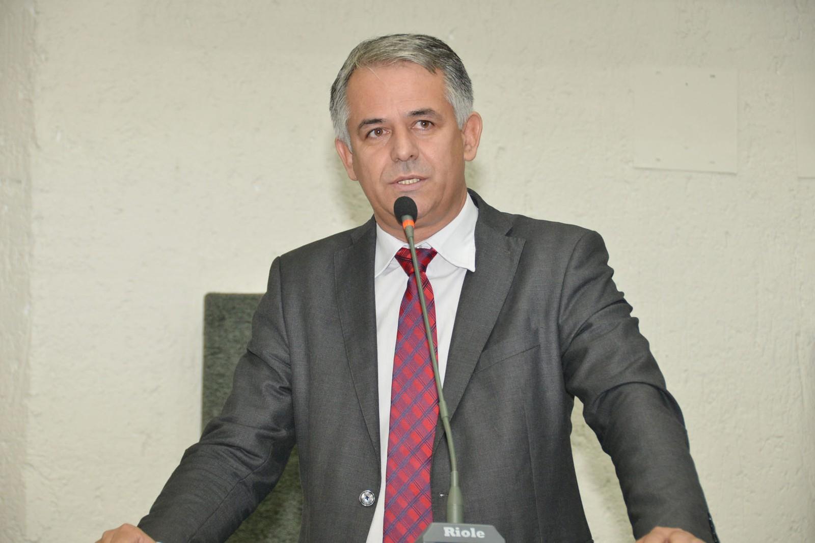 Ex-prefeito suspeito de superfaturar obra em escola se torna réu