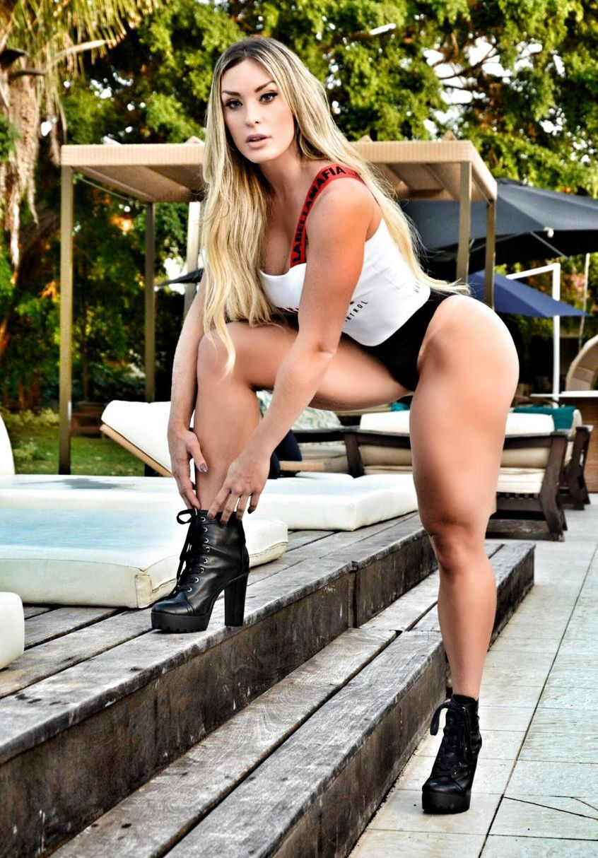 Musa Fitness e Digital Influencer Tati Lobão é a nova sensação da Web