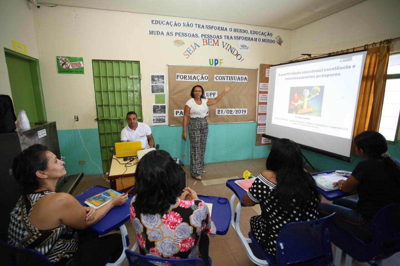 Educação promove formação continuada para professores da educação prisional