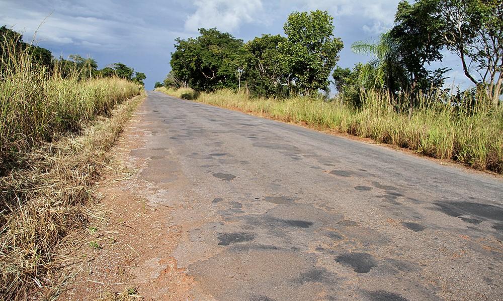 Governo vai reconstruir TO-040 entre Dianópolis e divisa com Goiás