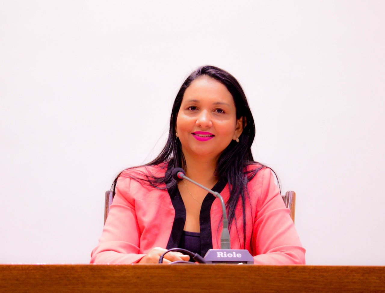 Vanda Monteiro consegue aprovação de requerimentos para infraestrutura e educação do Tocantins